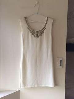 全新白色洋裝