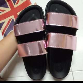 Double Strap Slipper - Lite Pink color