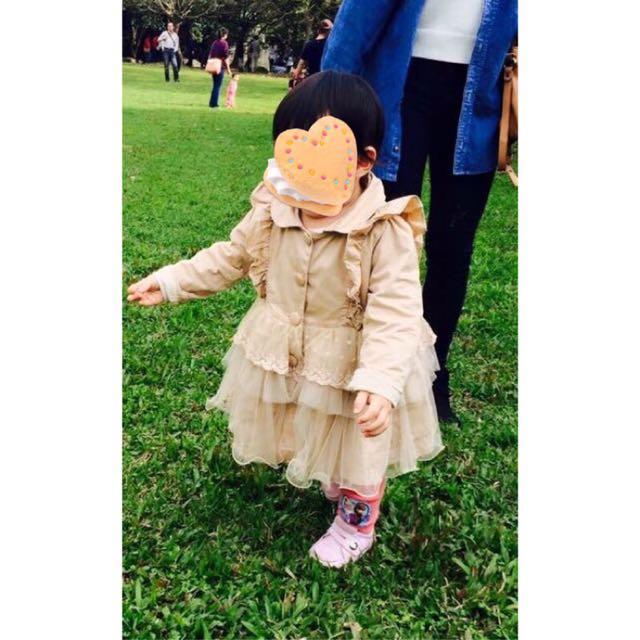 女童裝 荷葉蕾絲網紗裙擺風衣外套