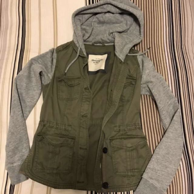 Abercrombie Size Small Sweater