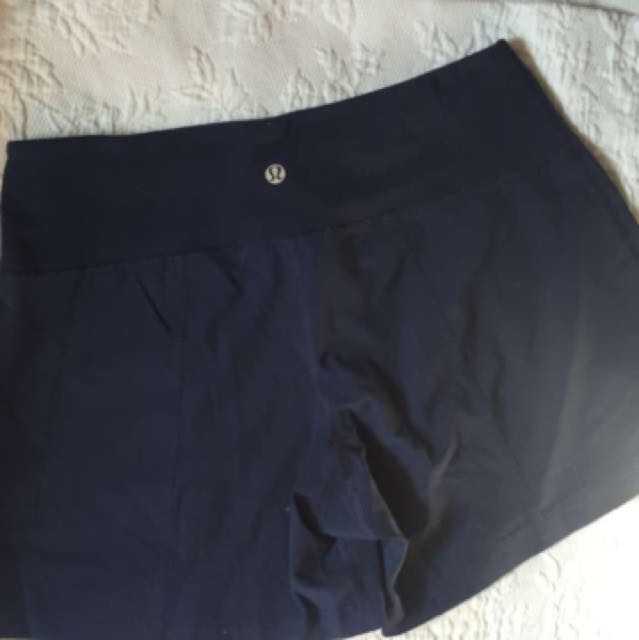 BNWT Lulumemon Size 4 Track Shorts