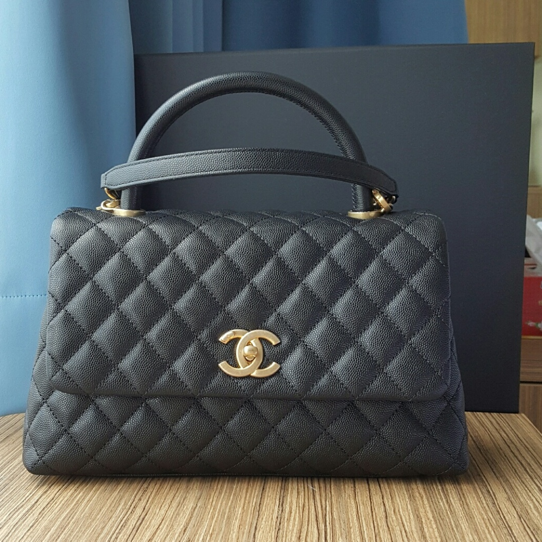 3982079522560c Chanel Coco Handle Size Small, Luxury, Bags & Wallets on Carousell