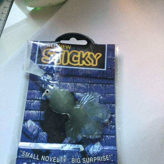 GOLDFISH STICKY
