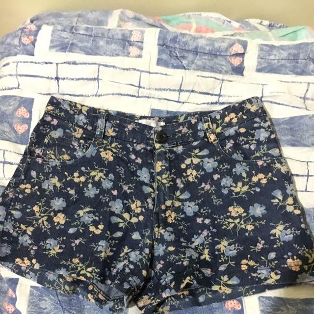 High Waist Flower Jeans