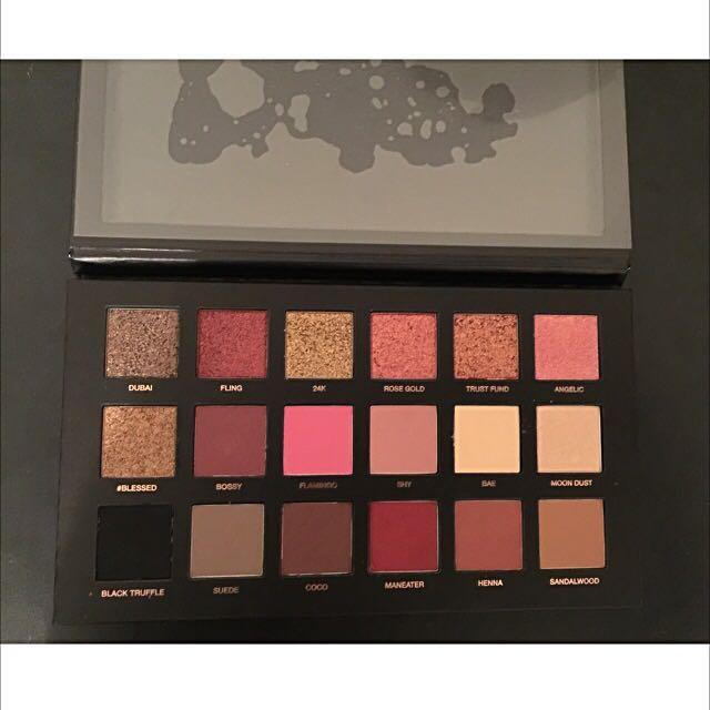 Huda Beauty Palette - Rose Gold Edition