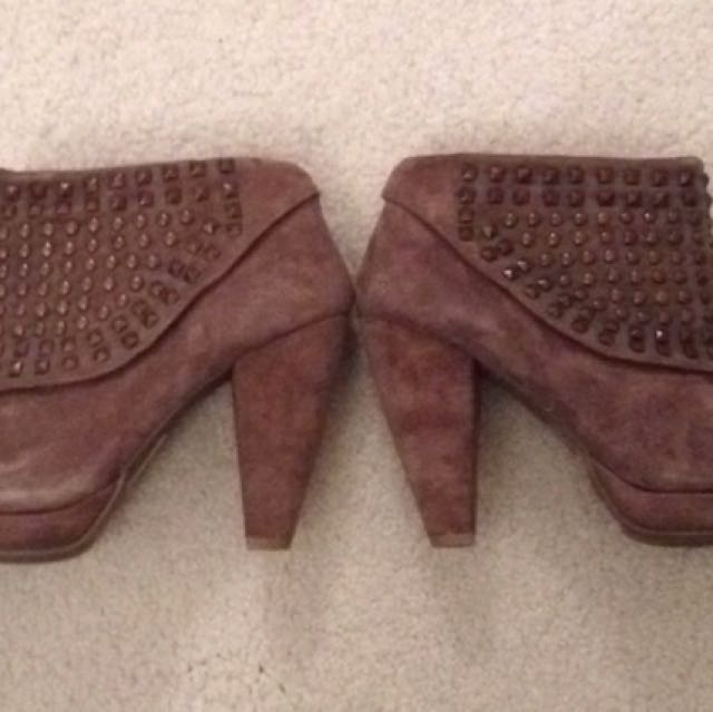 Kenneth Cole Reaction Size 6.5 Booties