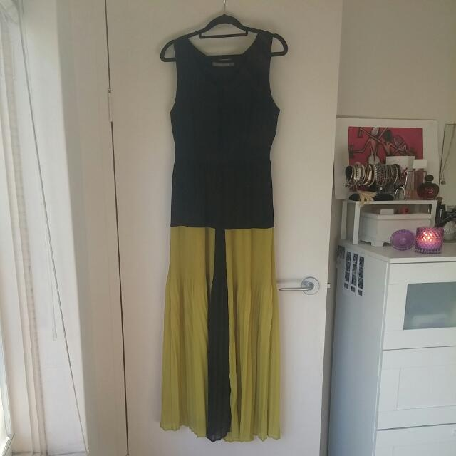 Ladies Size 10 Full Length Dress