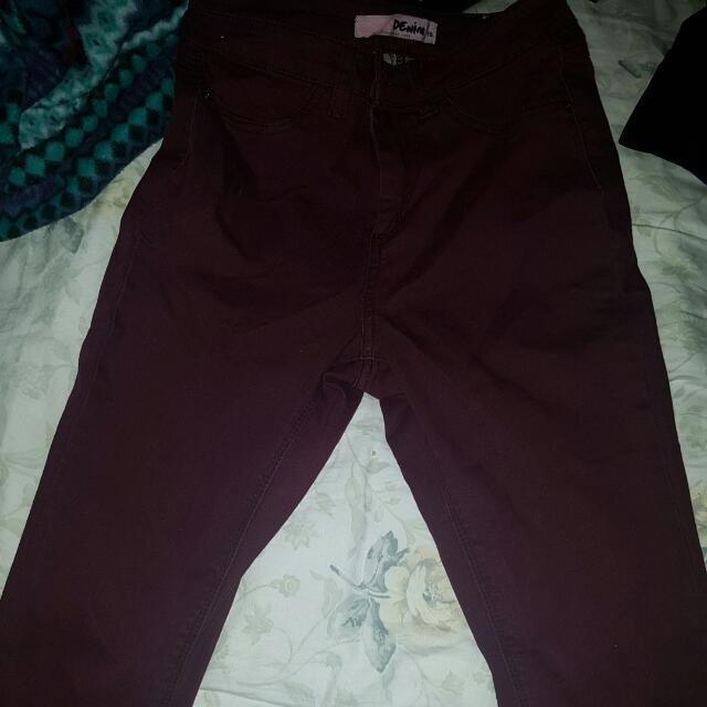 Maroon Jeans. 👖