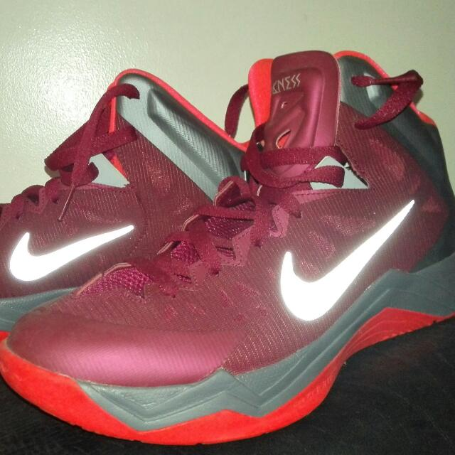 différemment 31d7e baee6 Nike Hyperquickness Basketball Shoes