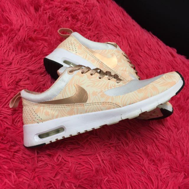 Pink Nike Rose Sneakers