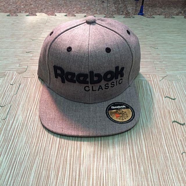 Reebok 帽