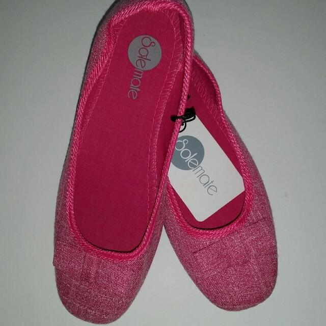 SALE 50% Off Brand New Size 8 SOLEMATE  / PINK / FLAT / DOLL SHOES / LADIES  / GIRLS / WOMENS / SHOE / BOW