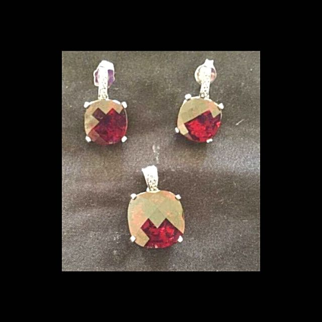 Silver-Garnet Earrings With Matching Pendant-New!