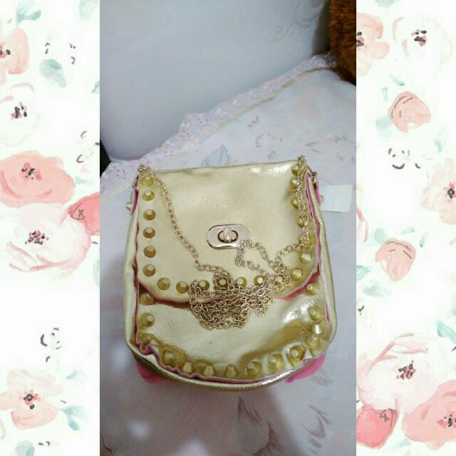 Sling Bag ( Buy 2 get 1 free )