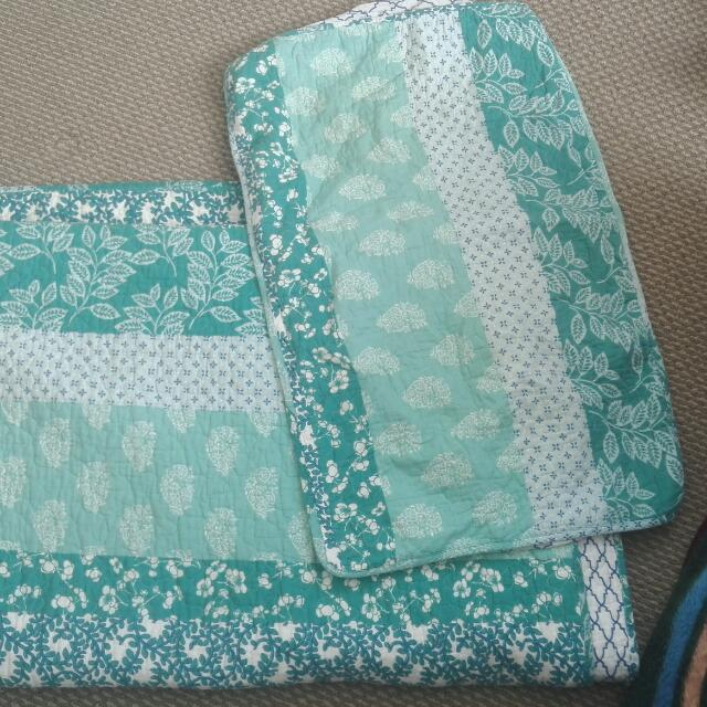 Turquoise Quilt Cover With Pillow Case And Throw Blanket