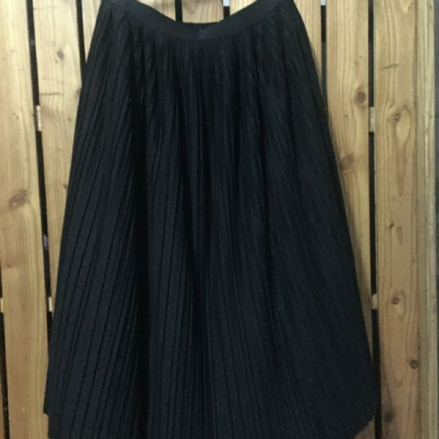 Uniqlo Pleated Skirt