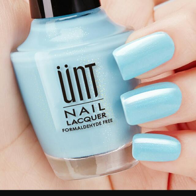 Unt 指甲油 水藍色 微珠光