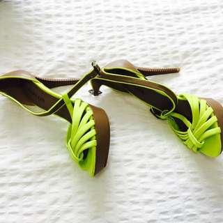 High heels Never Worn
