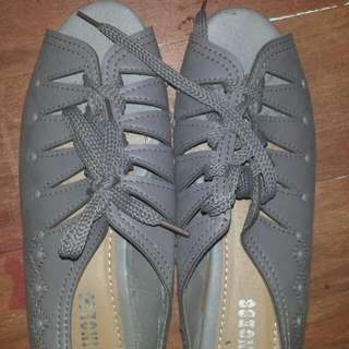 ✔REPRICED Unbranded Gray Shoes/Sandals