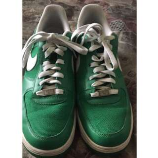 PRICE DROP!!! Men's Size 9.5 Nike Airs