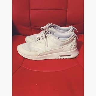 Nike Air max Thea Size 8.5