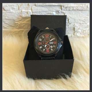 📌instock📌XINEW QUARTZ Round Watch RED