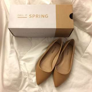 Nude pointy flats, Size 6.5: Call It Spring