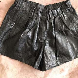 Madison Square Shorts (pleather)
