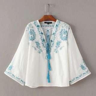 夏季新款波西米亞民族度假風流蘇刺繡V領綁繩T恤上衣女