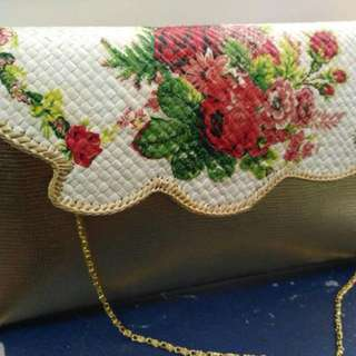 Clutch Decoupage Pandan Gold