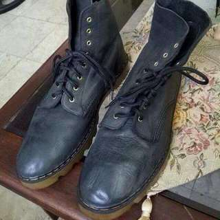 W Brown Leather Boots