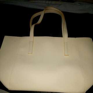 Suite Blanco Shoulder Bag