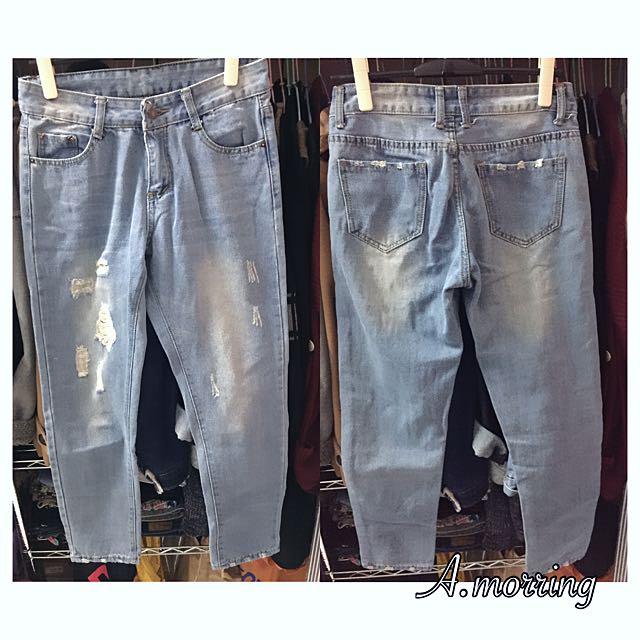流行淺藍牛仔褲