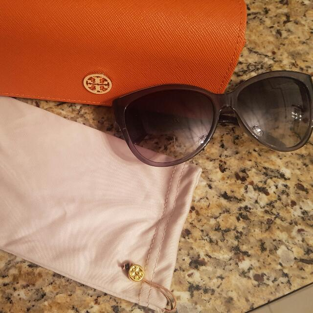 Authentic Tory Burch Sunglasses Condition 9/10