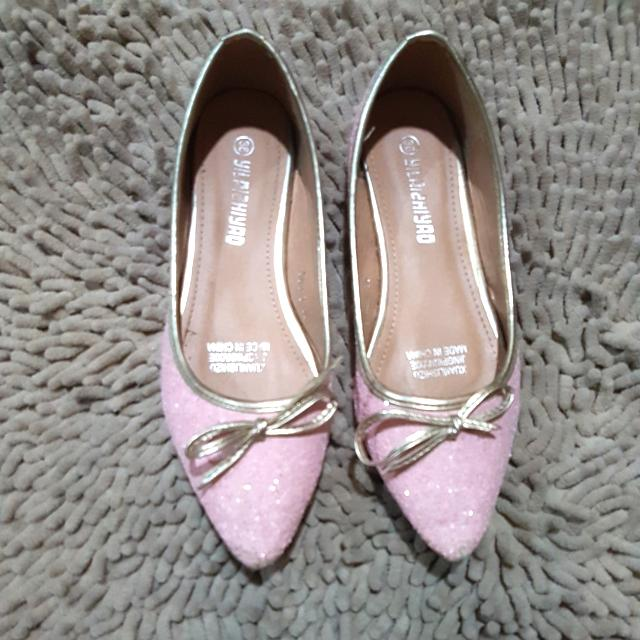 Baby Pink Sequined Flat Shoes With Gold Lining