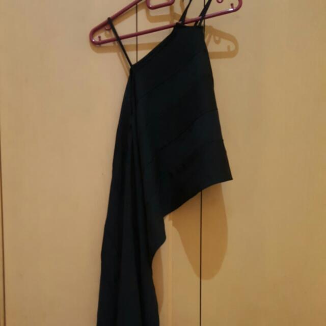 black sling top
