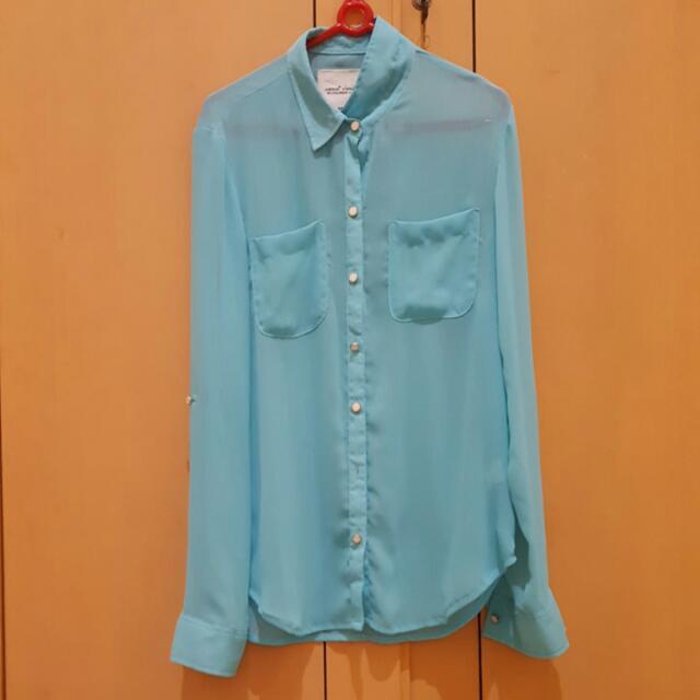 color box blue shirt