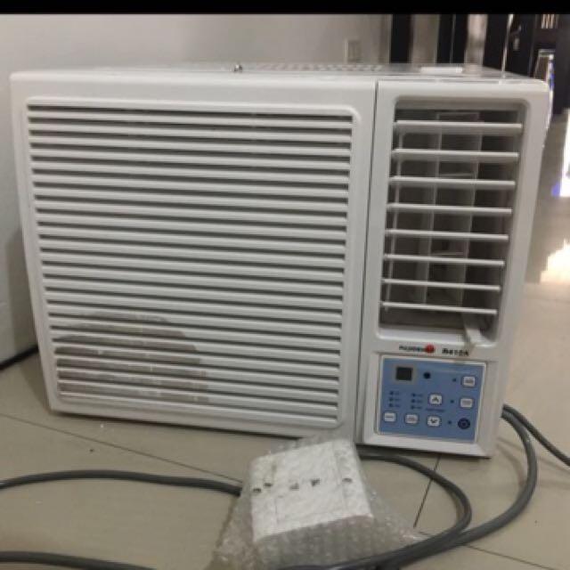 Fujidenzo WAR 90 CES 1.0HP. Window Type Air Conditioner (White)