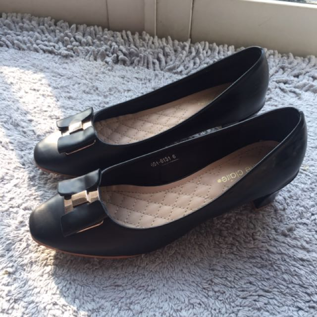 Marrie Clair size 6/ fit 38-39