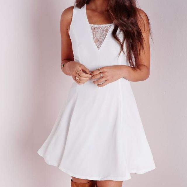 [NEW] Missguided v-neck lace dress