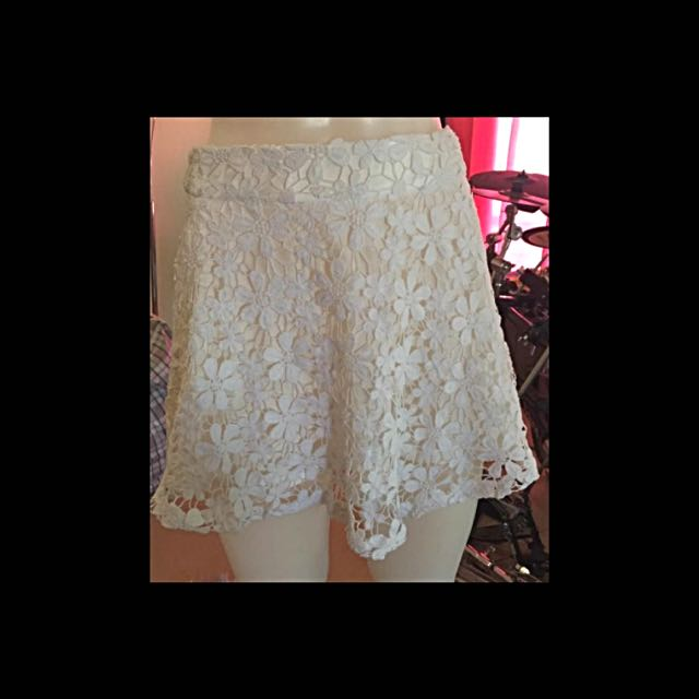 NWOT- Mooloola Crocheted Skirt