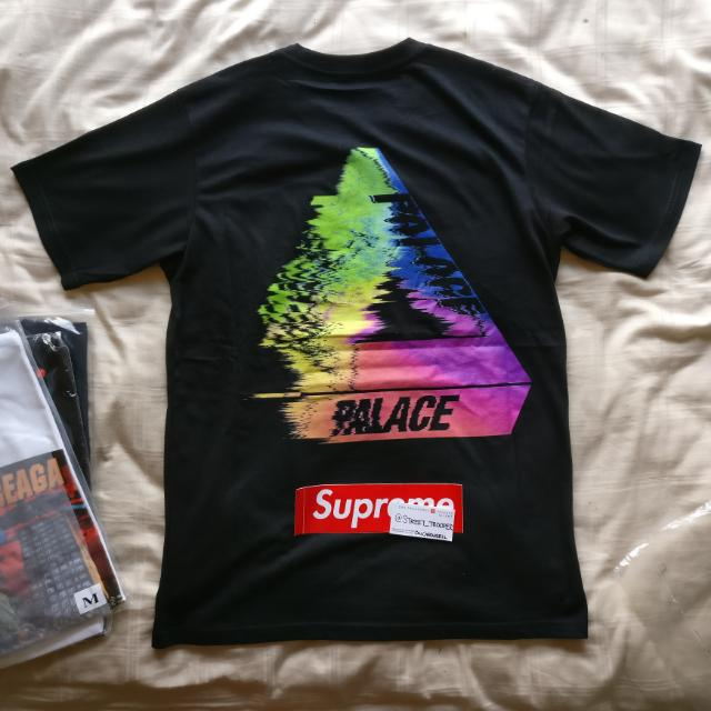 fe38319dc983 Palace Skateboards Tri-Smudge Tee