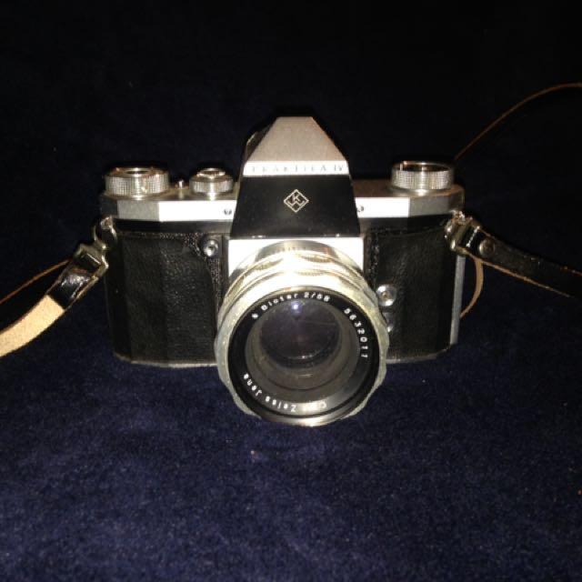 Praktica IV 35mm Film Camera