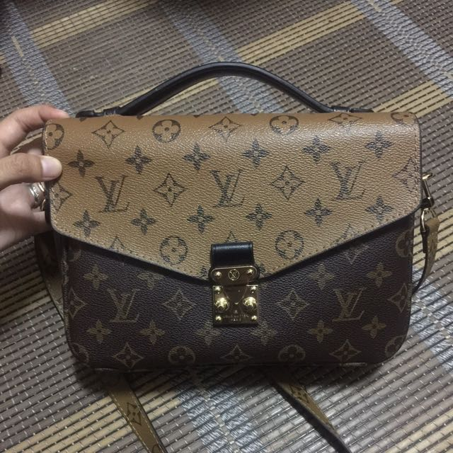 REDUCED  Preloved Louis Vuitton Pochette Metis 7098c4d53