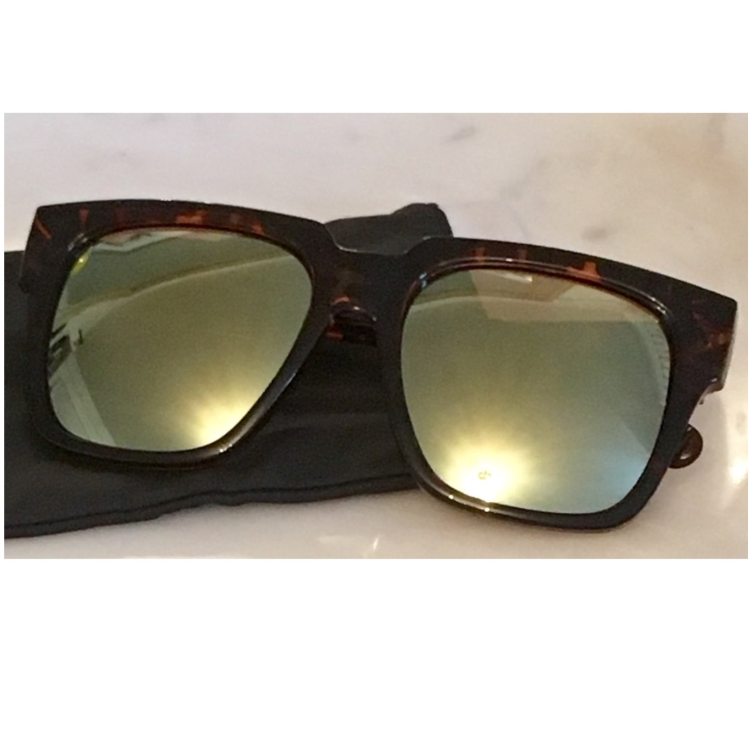 "QUAY ""ON THE PROWL"" Sunglasses $30"