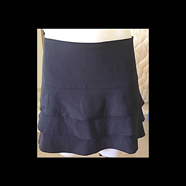 Review Black Skirt