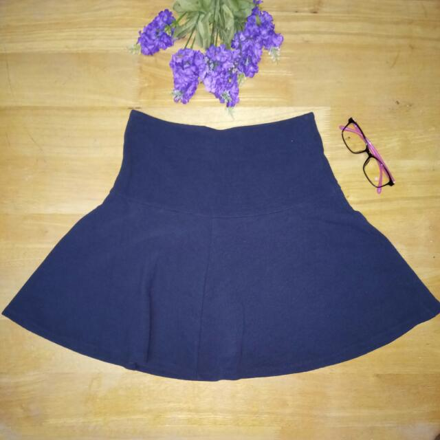 UNIQLO NAVY BLUE SKATER SKIRT