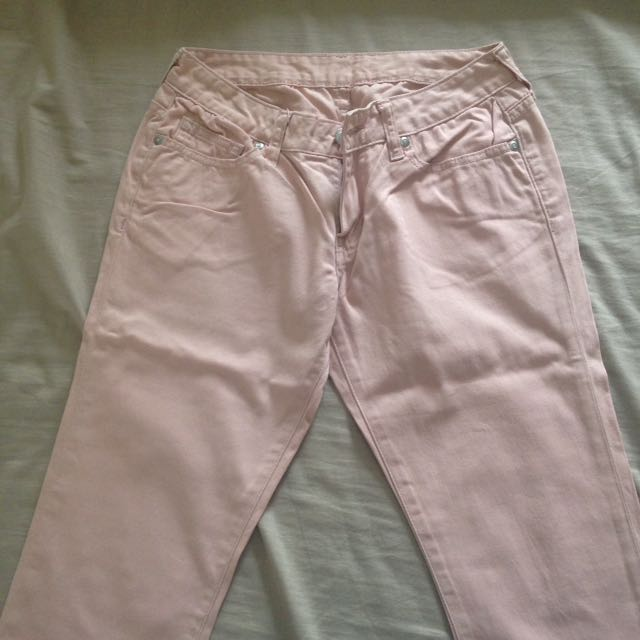 Uniqlo's Pink Pastel Denim