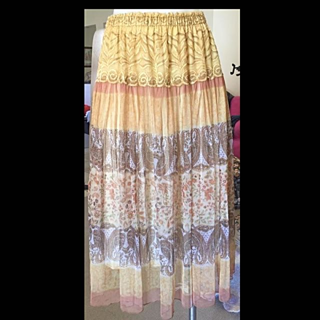 Vintage Look- Long Skirt