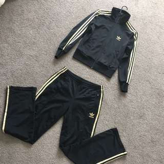 Price Dropped ‼️🎈Adidas OldSchool Tracksuit /Black&Gold Size38/M/